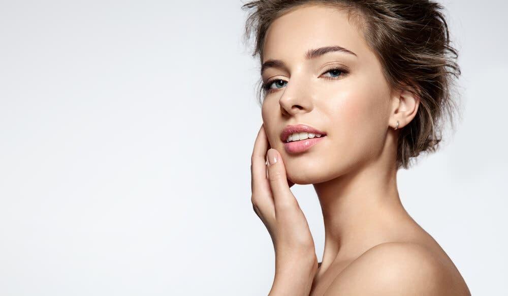 Serum kullanmadan cildi parlak hale getirmenin az bilinen 3 yolu