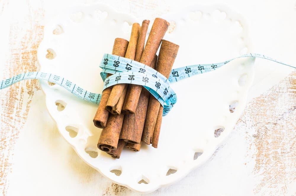 Tarçın kilo vermeye nasıl yardımcı olur?