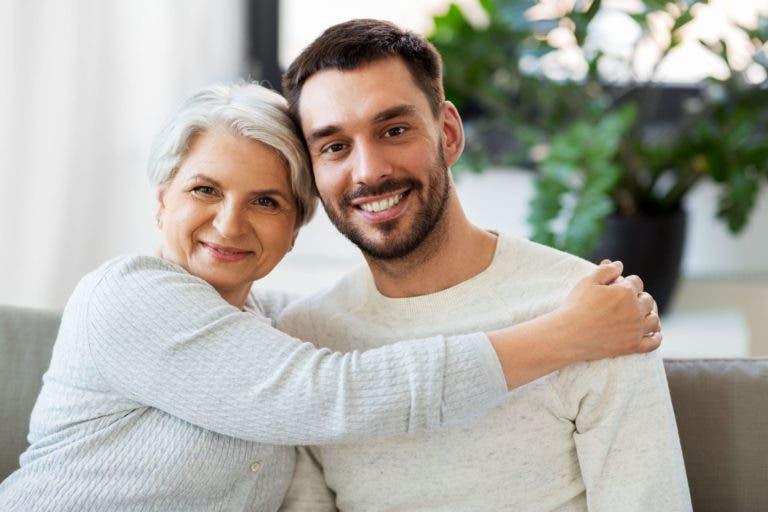 Bir erkeğin annesine davranma şekli size nasıl davranacağını gösterir mi?