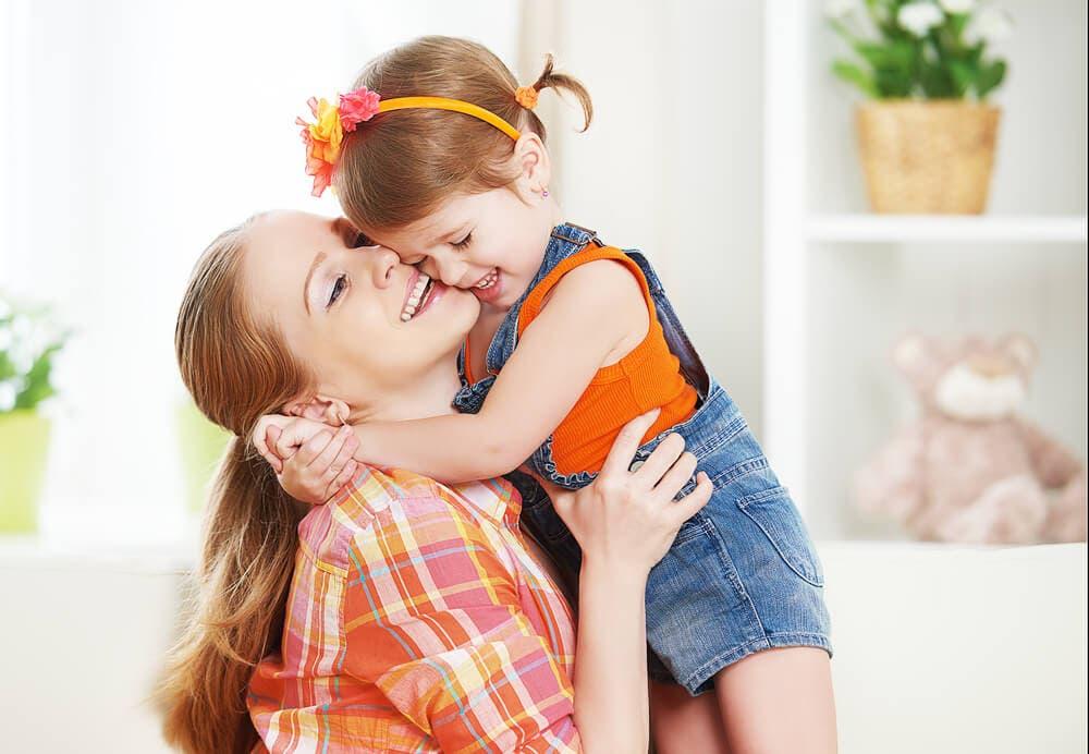Çocuklarınıza Sarılmanızın Beş Bilimsel Faydası
