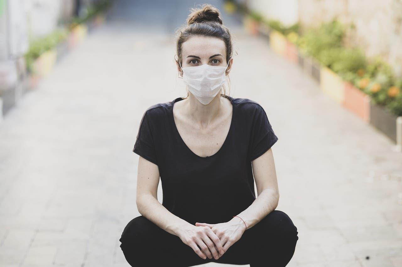 Koronavirüsün İki Varyantı Mutasyona Uğramış Bir Virüs Meydana Getirdi