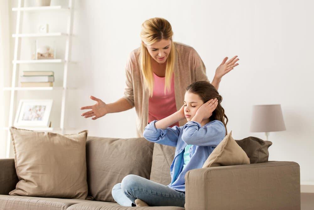 öfkeli anne
