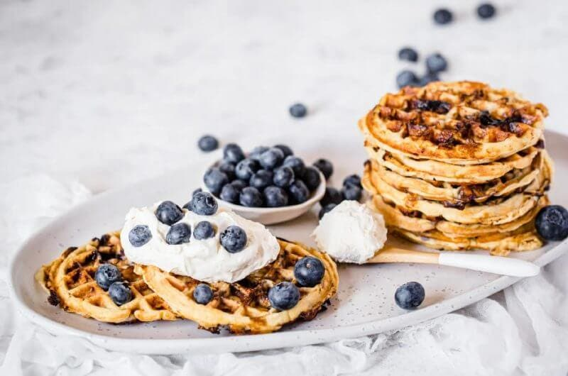 Taze yaban mersinli waffle