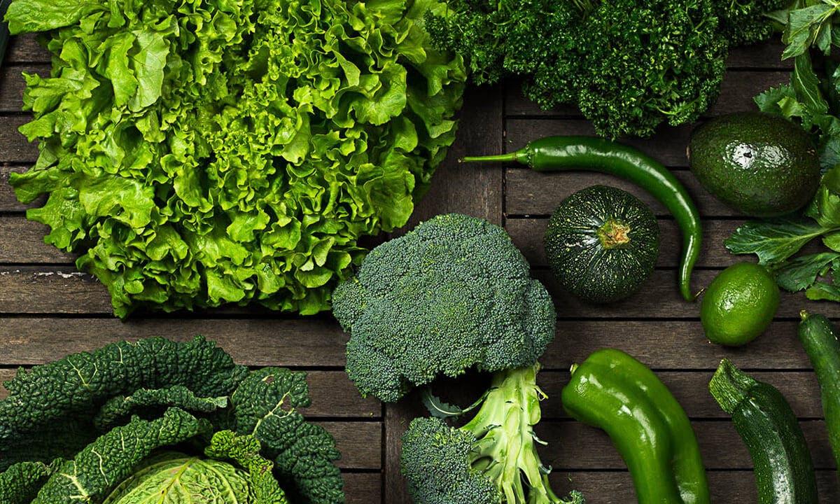 Brokoli ve koyu yeşil yapraklı sebzeler